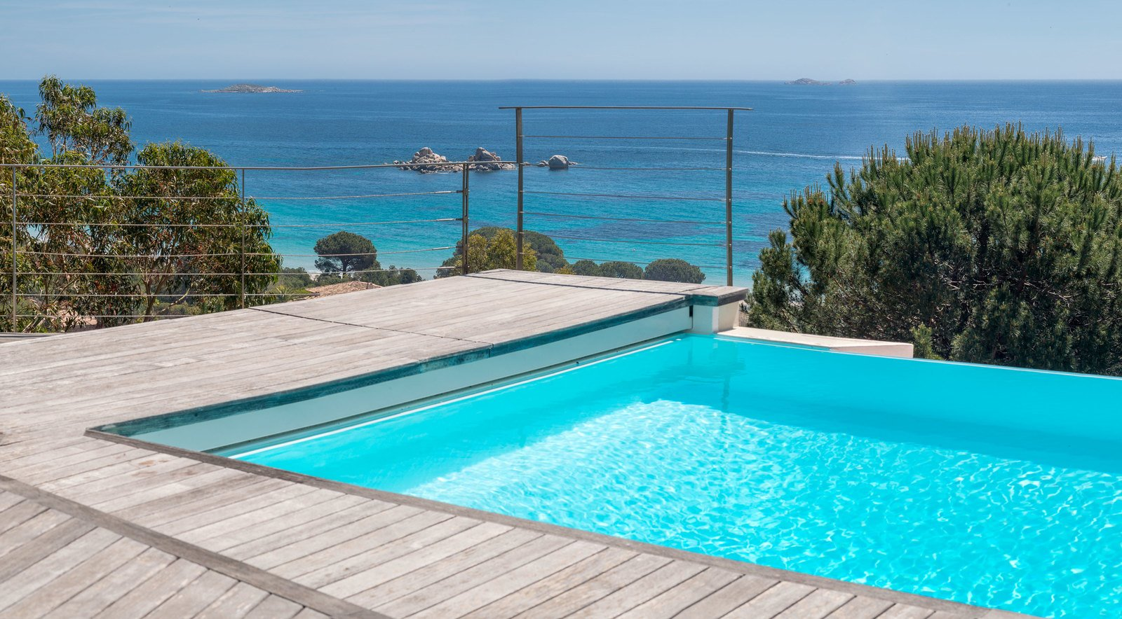 For sale in palombaggia villa with magnificent sea view for Caen la mer piscine